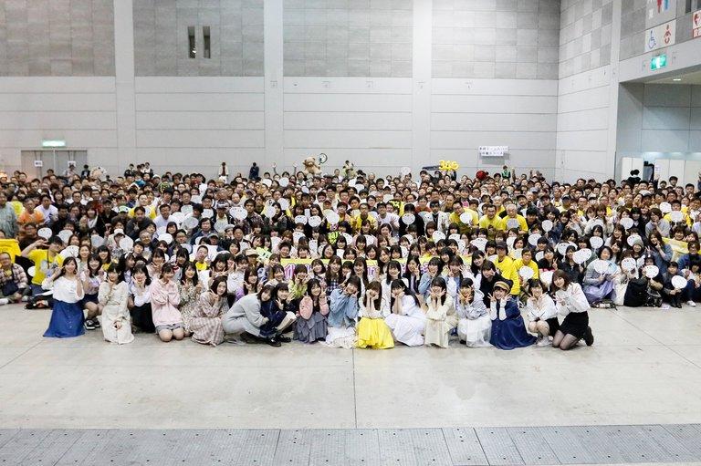 sashihara_rino-20190414-handshake-02.jpg