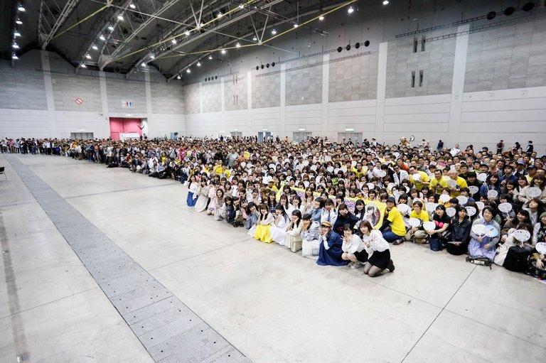 sashihara_rino-20190414-handshake-03.jpg